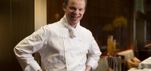 el-cocinero-del-restaurante-amber-richard-ekkebus
